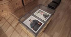 玻璃柜里的名画展示样机