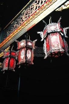 黑夜中的灯笼