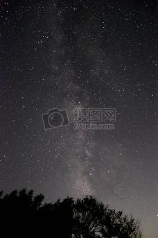星光闪耀的迷人夜晚