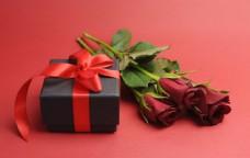 礼物与玫瑰花图片