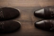绒布男鞋和皮鞋图片