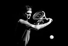 打网球的男人图片