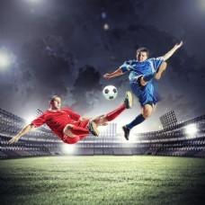 踢球的运动员图片