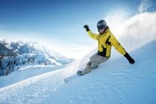 滑雪运动员摄影图片
