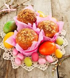 复活节糕点与复活节彩蛋图片