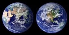 两个蓝色地球图片