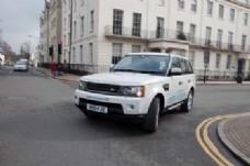 白色路虎轿车图片