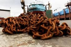 轮船与铁链图片