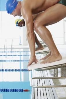 男性游泳运动员图片