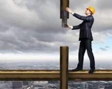 高空中的工程师图片