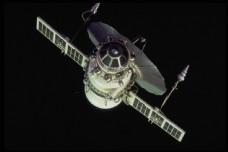 太空飞船图片