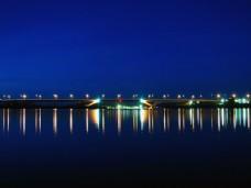 夜景宏伟建筑图片