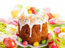 复活节彩蛋与蛋糕图片