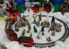 圣诞礼物铁轨车